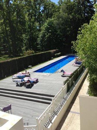 Hotel Les Pleiades: piscine : pas très grande mais agréable
