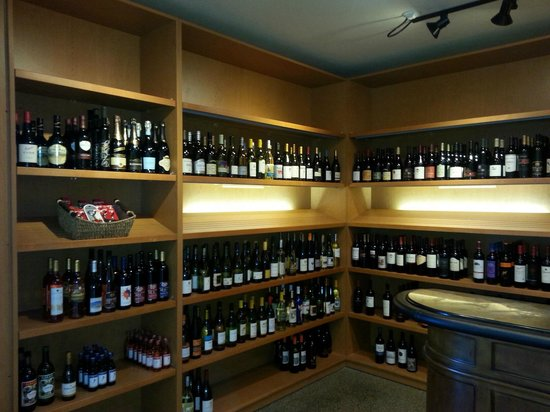 Neskowin Trading Company: Come to a wine tasting!