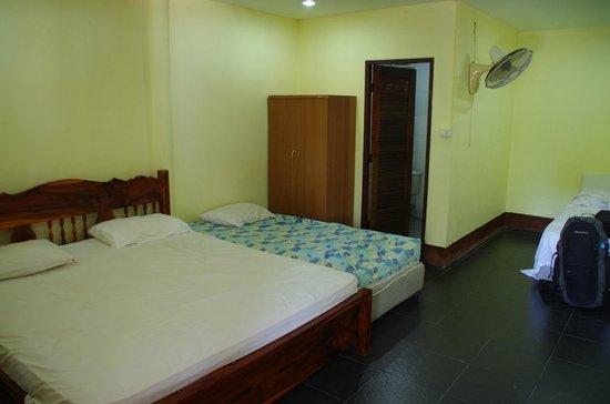 Haad Salad Villa: chambre quad + extra bed