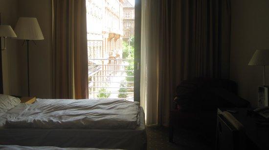 NH Budapest City: room