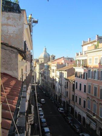 Anfiteatro Flavio: Streets leeds to Colosseum