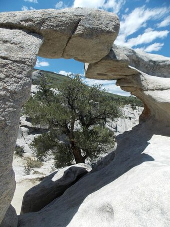 window arch picture of city of rocks national reserve almo