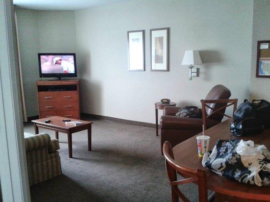Candlewood Suites Hazleton: Living Room