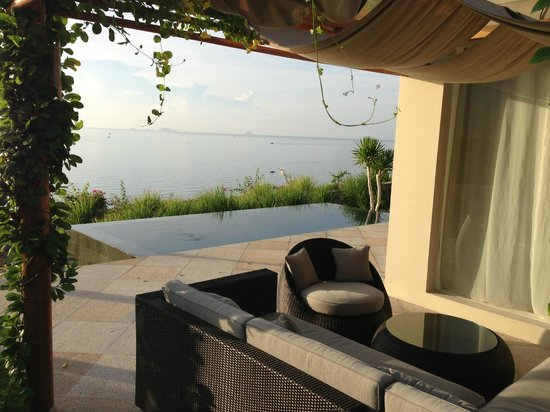 Mia Resort Nha Trang: Terrace, pool and view