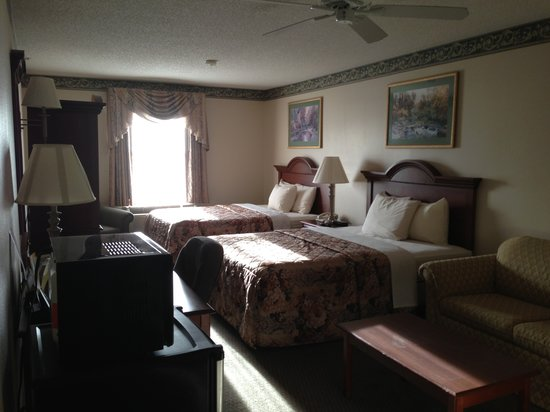American Inn & Suites - High Point: Queen Room