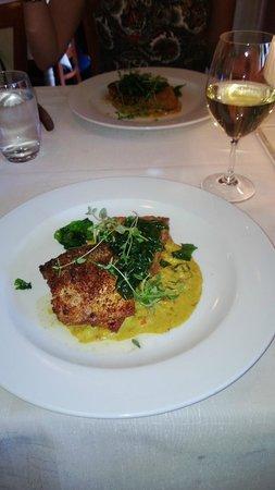 Figaro Restaurant: Ryebreaded Whitefish and Crab Cake