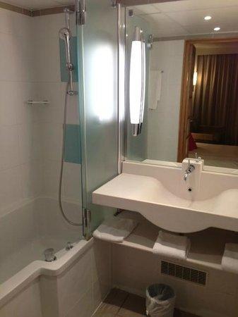 Novotel Beaune : Bathroom