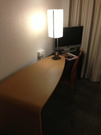 Novotel Beaune: Desk room