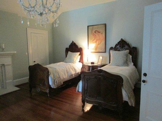 The Twelve Oaks Bed & Breakfast: Our room