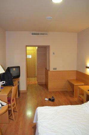 Hotel Victoria 4: Large Room