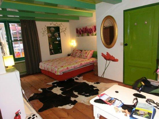 Tulip of Amsterdam B&B: big Dutch-Room