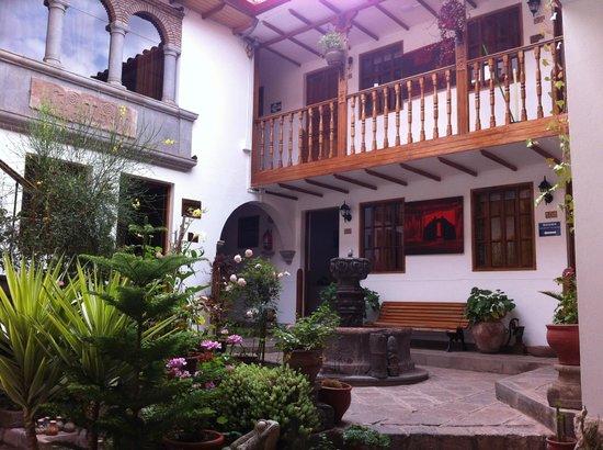 Hotel Rumi Punku: View of inner courtyard