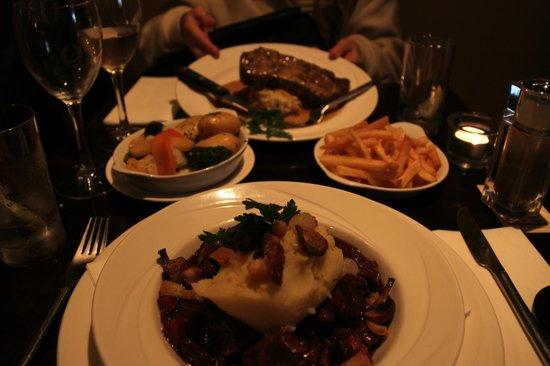 Treyvaud's : 10 ounce sirloin steak plus garnituur