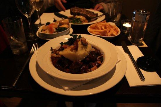 Treyvaud's : irish stew in guiness