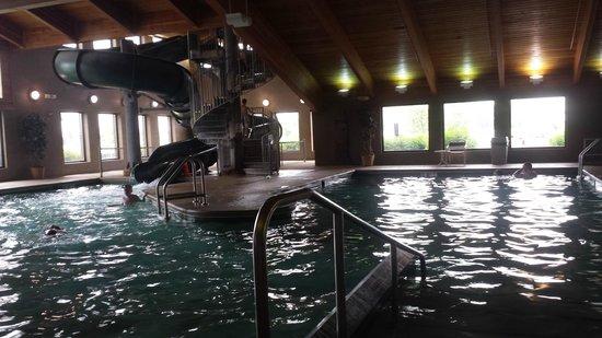 AmericInn Lodge & Suites Appleton: pool area