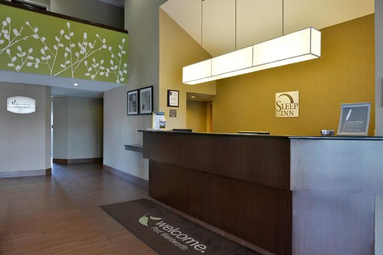 Sleep Inn I 95 North Savannah: Front Desk