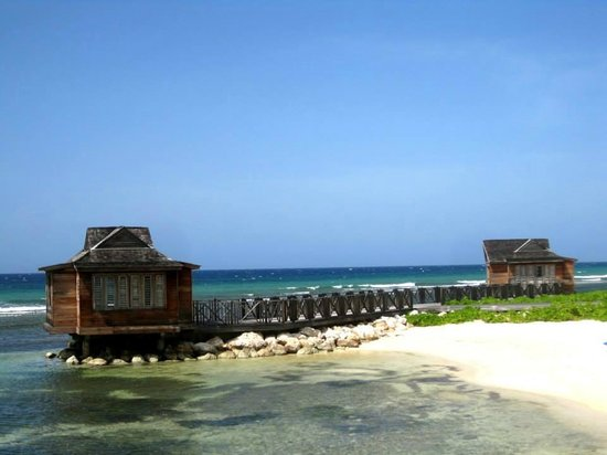 Half Moon: Beach-front Yoga Cabanas