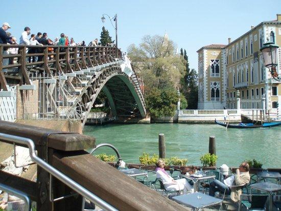 la chicca: À 2 pas du Ponte Académia