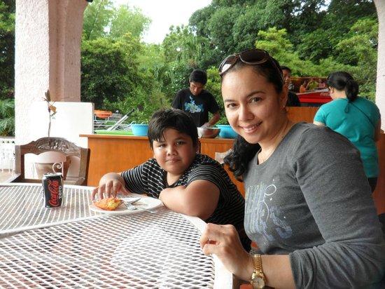 Malacanang Of The North: Tastiest empanada!!!