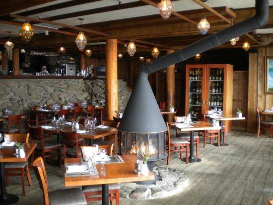 Alexander's at Timber Cove Inn: Restaurant Interior