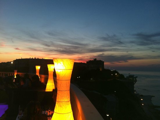 scoprire Ancona dalla terrazza di questo locale è stata - Foto di ...