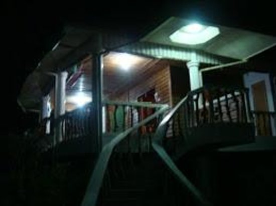 Chateau Du Mer Beach Resort: balcony of the beach house at night