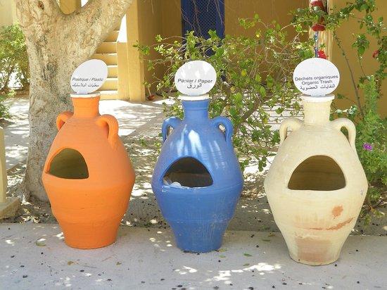Club Med Djerba la Douce : Poubelles typiques
