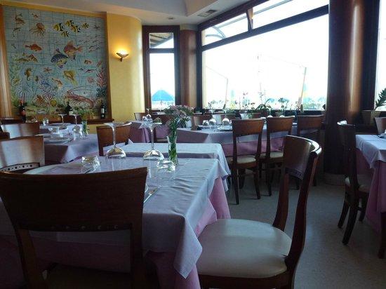 Alcione: Dining room