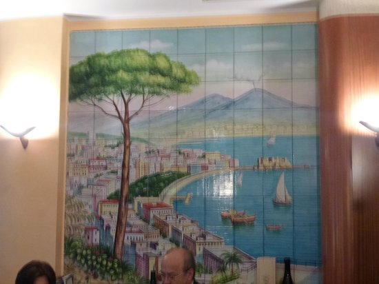 Alcione: Wall tiles in the dining room