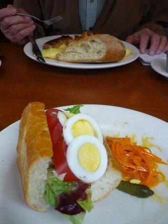 Cafe Campagne: tuna/tomato/egg sandwich