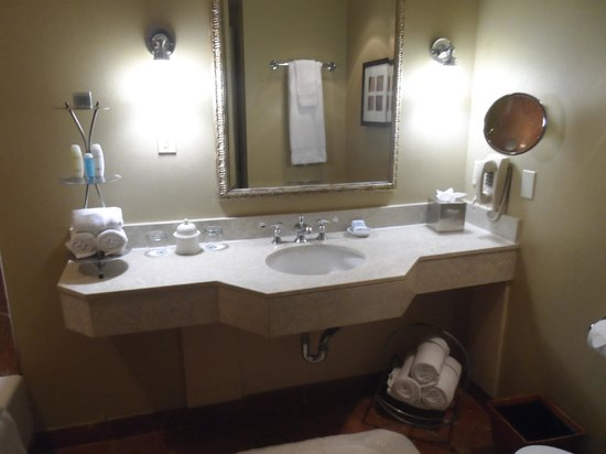 Bathroom picture of omni royal crescent hotel new for Bathroom new orleans