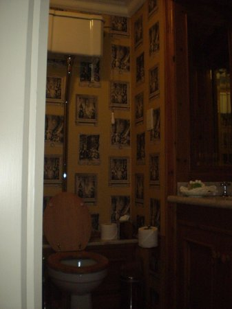 Schoolhouse Hotel: Bathroom