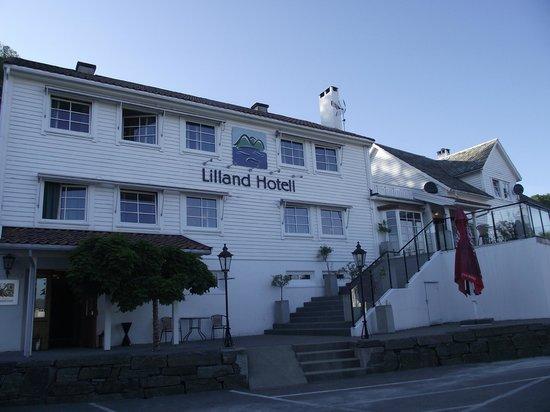 Lilland Hotel: Hotel façade