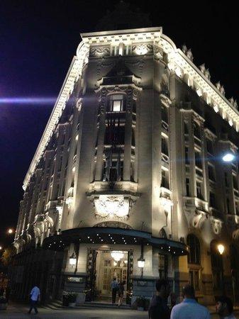 NH Collection Paseo del Prado: Night view