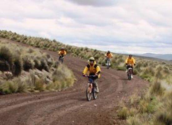 Carlos Zarate Adventures: Mountain Bike de la Antena en Chachani - Arequipa