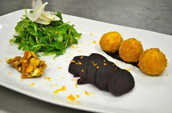 Alpenglow Restaurant- Grande Denali Lodge: Deconstructed Rocket Salad