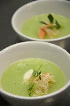 Alpenglow Restaurant- Grande Denali Lodge: Chilled Honeydew Soup with Crab