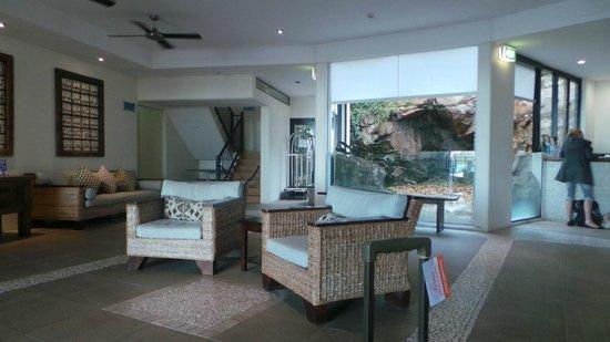 Blue Horizon Resort Apartments: lobby