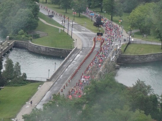 Niagara Falls Marriott Fallsview Hotel & Spa: we could see a race in the morning