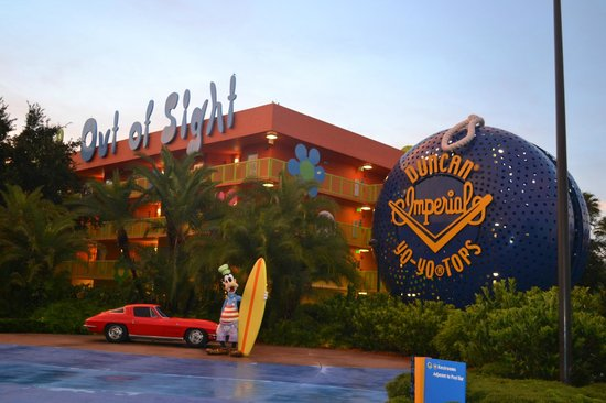 Disney's Pop Century Resort: This was the view from outside our preferred room in the 70's building
