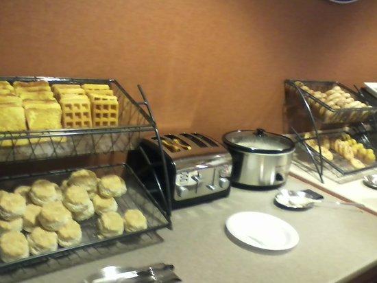 Baymont Inn & Suites Nashville Airport/ Briley: Nice breakfast