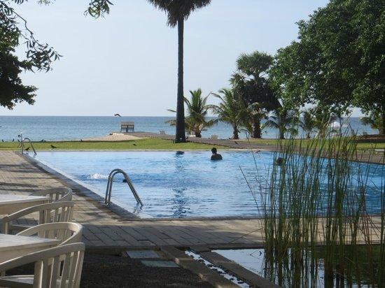 Trinco Blu by Cinnamon: View of pool and beach