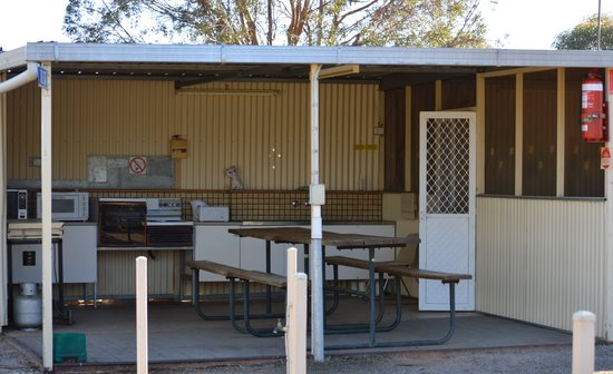 Flinders Ranges Caravan Park: The Camp Kitchen is well equipped for your catering needs.