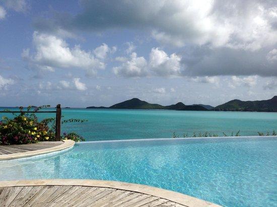 Cocobay Resort: poolside