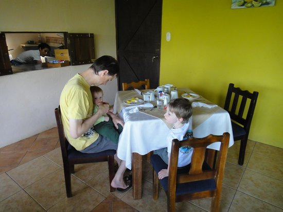 Hotel Campo Verde: Breakfast time!