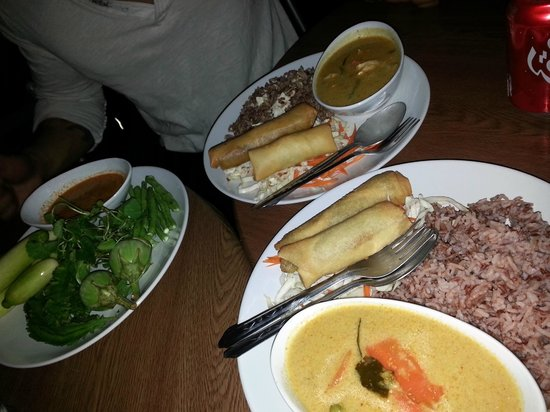 Jam's Boomerang: curry + rice, egg rolls, veggies with thai dipping sauce, banana egg rolls (dessert)