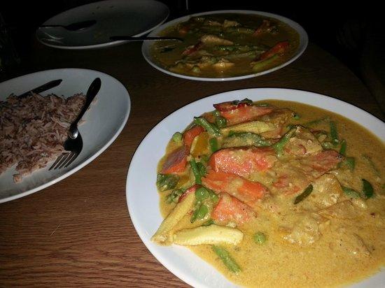 Jam's Boomerang: veggie green curry, rice