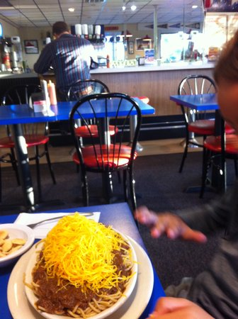 Skyline Chili Incoporated: Dining room and bar view
