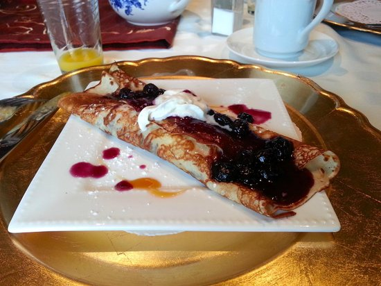 Acres on the Lake Bed and Breakfast: Amazing crepe