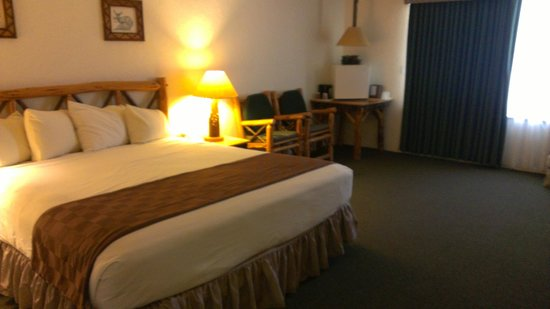 The Lodge at Big Bear Lake, a Holiday Inn Resort: King Bed room